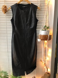 Black Italian front-leather dress with a zipper, size 38/M Vancouver, V6E 1Z7