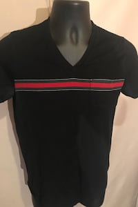 Gucci v-neck Large firm Calgary
