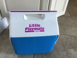 LITTLE PLAYMATE BY IGLOO LUNCH BOX