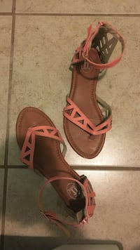pair of brown leather open-toe sandals Brownsville, 78521