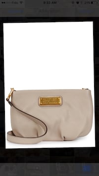 Creme Marc jacobs bag Port Coquitlam, V3B