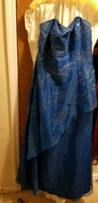 Prom gown Middle Grove, 12850