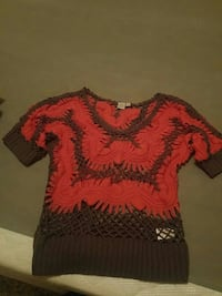 red and black scoop-neck t-shirt