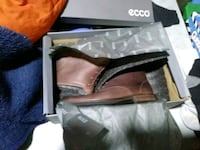 pair of brown leather loafers with box Louisville, 40216
