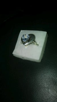 heart silver-colored ring with clear gemstone Marysville, 98270