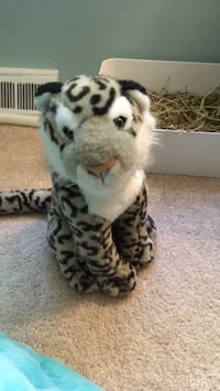 Snow leopard plush Olney, 20832