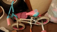 Little girls 12 inch bike with training wheels Eugene, 97402