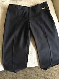Tory Burch cotton pant, flat front with side zipper. Centre seams on front. 2 back pockets. Excellent cond. Paid over $200. Size 2 Calgary, T3M 1M3