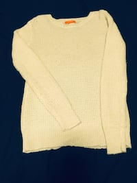 White Knitted Sweater Vancouver, V6G 2C9