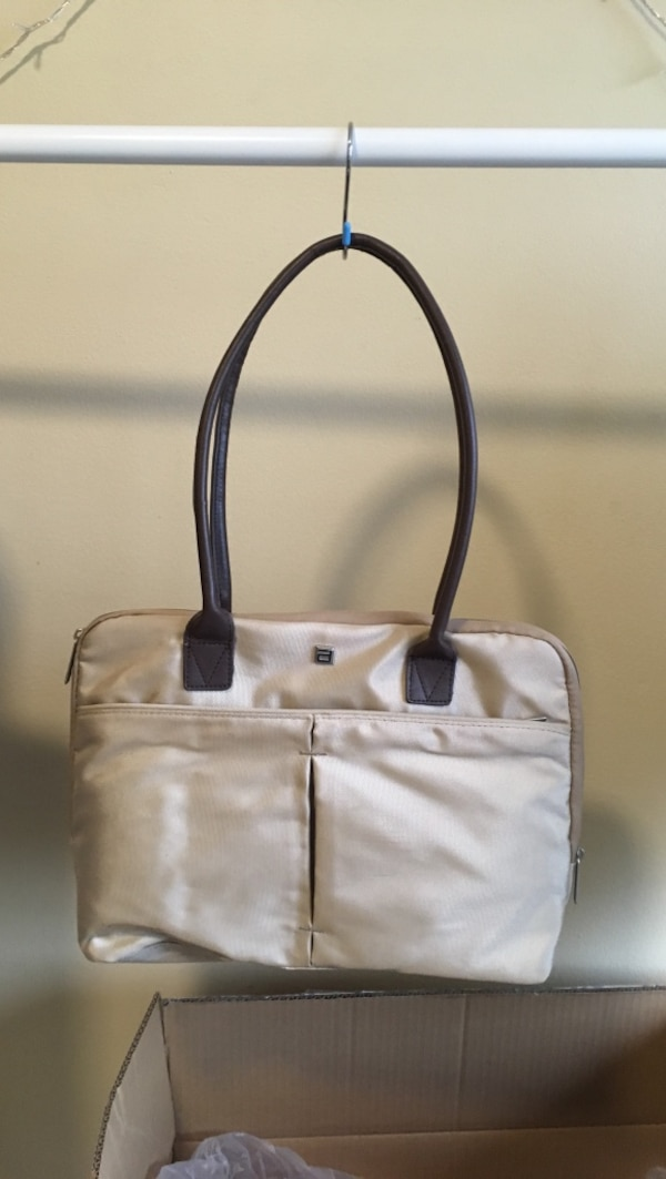 Almost new Damen laptop bag