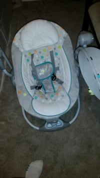 baby's gray and white bouncer West Kelowna