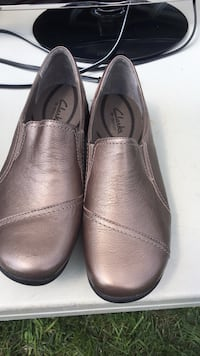 pair of brown leather slip-on shoes Columbia, 21045