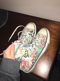 pair of white-and-pink floral sneakers Kamloops, V2E 2P1