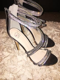 8 1/2 diamond wrapped heels  Reno, 89501