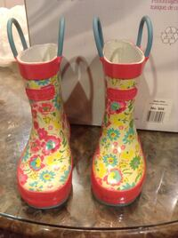 Waterproof boots for girl toddles size 6 Vancouver, V5M