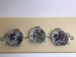 Decorative plates with wall mounted display