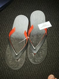 pair of gray-and-red flip flops New Westminster