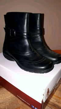 Brand new Naturalizer Auth leather wtrpf boots- 6M