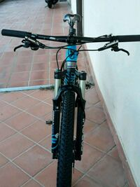 mountain bike hardtail nera e blu Rome, 00124
