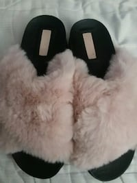 white and black fur-lined fur-line boots Alexandria, 22304