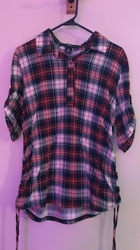 black, white and red plaid half-button t-shirt