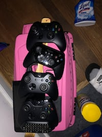Xbox one controllers for sale 52 km