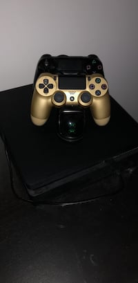 Ps4 with 2 controllers and 55in TV 552 km