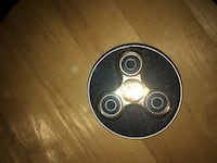 round black and gray hand spinner London, N6K 2T7