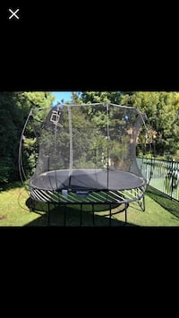 Springfree Trampoline-Large Square (3 years old) Arlington, 22205
