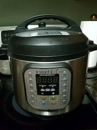 Instant Pot (Multi-purpose pressure cooker) 10 km