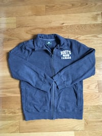 Grey Roots Zip Up Youth Xl (10-12 year olds) EUC New Tecumseth, L9R