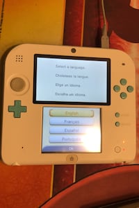 Nintendo 2ds (white & turquoise) Richmond Hill, L4E 3X8