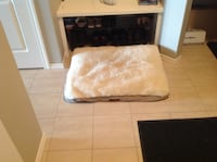 Reversible washable dog bed in very good condition from a non-smoking home large  Calgary, T3M