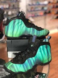 Northern light foams size 7