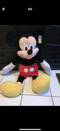 Mickey Mouse and Minnie Mouse plush toys Fort Pierce, 34981