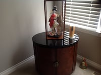 Mint condition geisha girl porcelain handpainted have all the paperwork valued at 500 will take 150 Calgary, T3M 0Y1