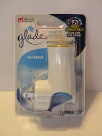 BRAND NEW Glade PlugIns Scented Oil Warmer Hyde Park