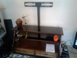 AC and TV Stand Oroville CA 95966