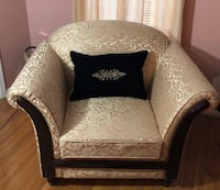 Sofa chair and loveseat solid wood well built . It is in perfect condition Vienna, 22180