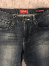 Guess Jeans! Size 31-32 537 km