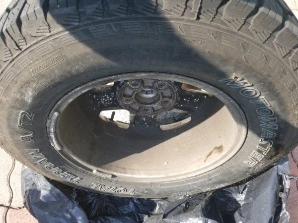 235 70 R16 ALLOY TIRES FOR SALE FITS FORD AND OTHER VEHICLE 564ebec6-57b6-4bd5-8280-6d5c9b596bb3