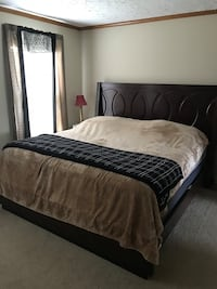 king size bed/ no mattress Boonville, 27011