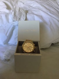 Michael kors round gold analog watch with link bracelet in box