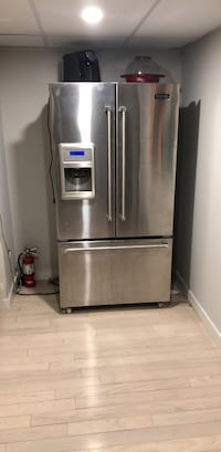 stainless steel french door refrigerator Hamilton, L8W 3R4