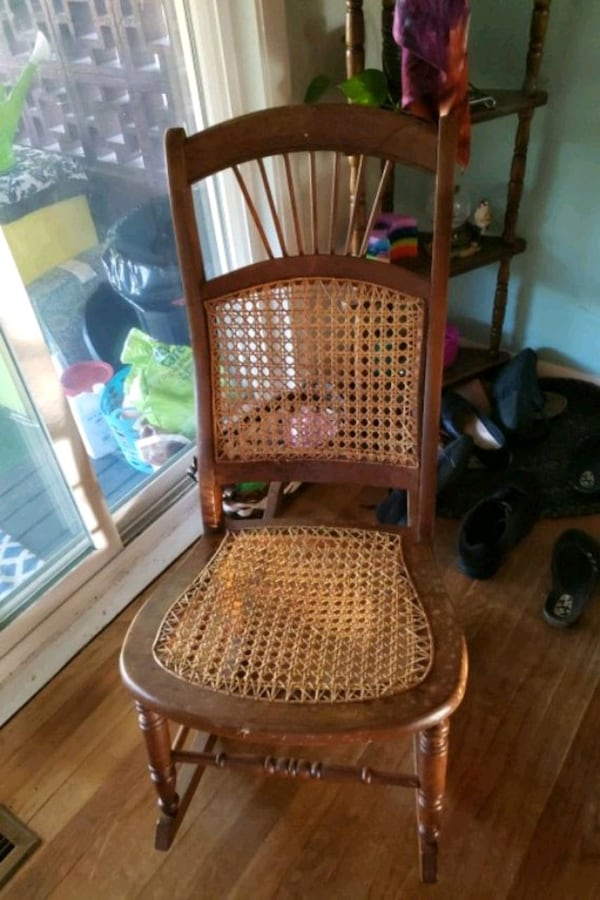 Child sized rocking chair 78ff8a14-abef-4bf6-8483-7d0ca59c04d3