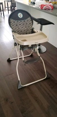 baby's white and brown highchair Surrey, V4A 1S2