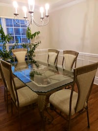 Glass dining table set Huntersville, 28078