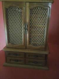 Jewelry box with music  Laval, H7N 5X6