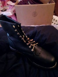 pair of black leather work boots Jacksonville, 72076