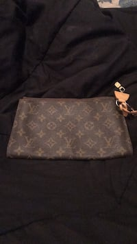 monogrammed brown Louis Vuitton leather wallet 554 km